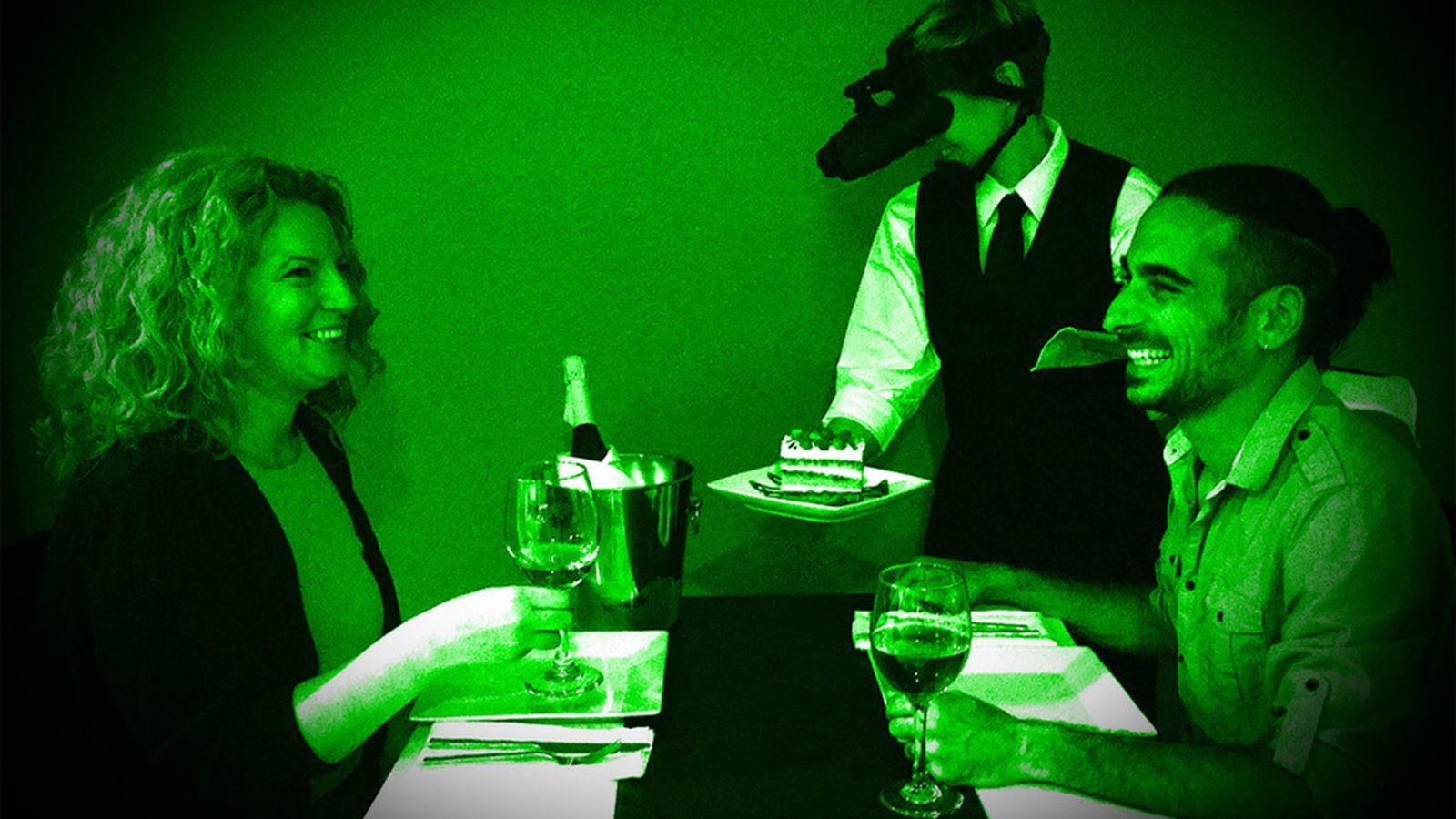 Blackout_Dining_in_the_Dark_6_11.0.jpg